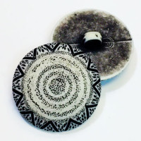 NV-1307 Black and White Fashion Button