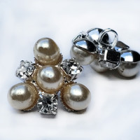 C-8188 -  Set of 6 Ivory Pearl Silver and Crystal Rhinestone Button 18mm