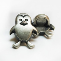 M-1318 Antique Silver Penguin Button