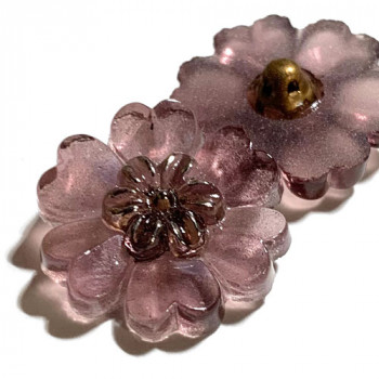 """G-4015-4   Vintage Wisteria Flower-Shaped Glass Button, 7/8"""""""