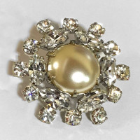 C-1300B Rhinestone Button, Silver And Pearl