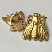 M-4215-D Matte Gold Metal Bee Button - Priced per Dozen