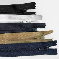 ZPN-3N9 - #3 Nylon Zipper - 9 inch, 5 Colors